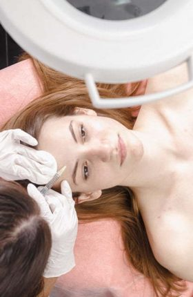 young-woman-getting-dermall-fillers-injection-PAJ7Q8C.jpg